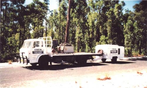 Mobile abrasive blast unit